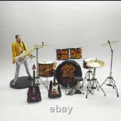 Miniature set drum and Guitars THE QUEEN plus action figure Freddie mercury